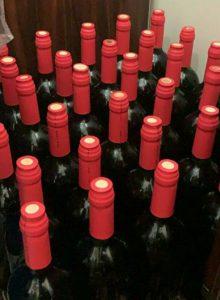 تولید بطری کاپ دار شیشه ای قرمز
